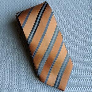 GEOFFREY BEENE 100% Silk Stripe Tie